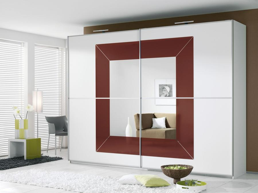 RAUCH Šatní skříň s posuvnými dveřmi Focus alpin bílá s sklem v barvě bordaux červené
